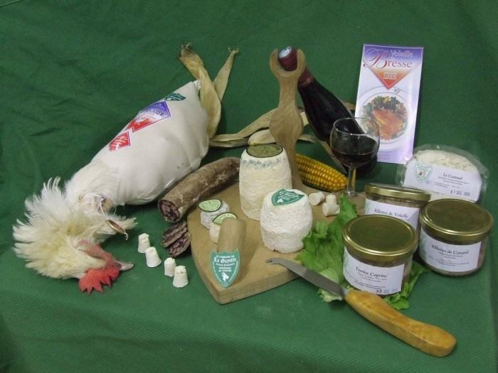 Plateau gastronomique par la ferme bressane La Guyotte, poulets & volailles de Bresse, fromages de chèvres